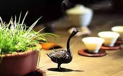 慢一些饮茶,笨一点做人